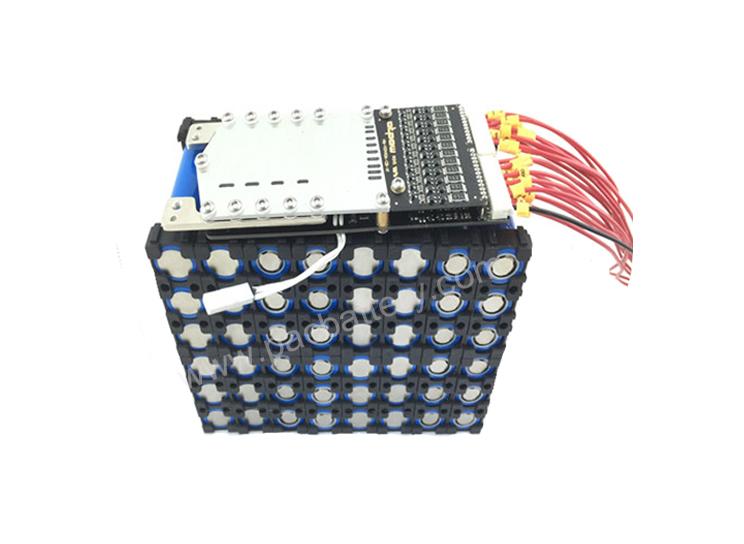 25.6V 60Ah cycle profond batterie rechargeable lifepo4 pour l'éclairage solaire